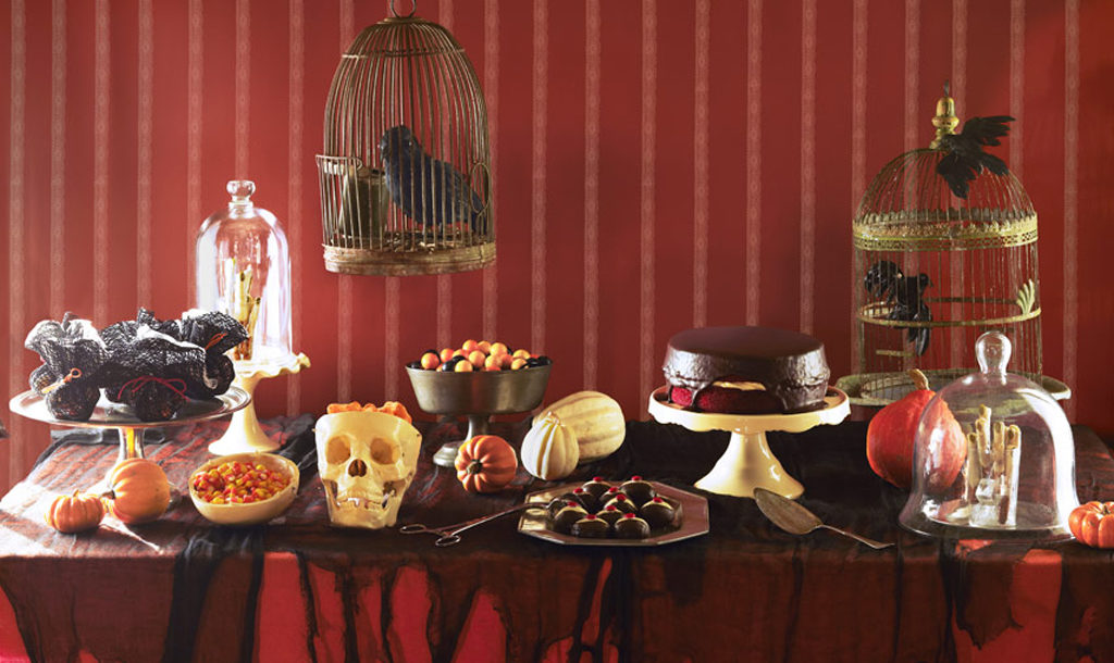 oct16_halloween_decor_table